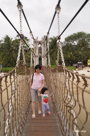 blog-2011-sentosa-OLYP1127-palawanbeach