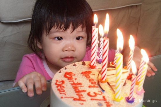 blog-2011-hannah-OLYP3695-ling-birthday