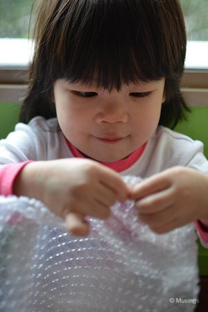 blog-2012-hannah-N7K_0542-morning-bubblewrap-flickr