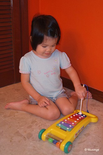 blog-2012-hannah-DSCF3142-xylophone-flickr