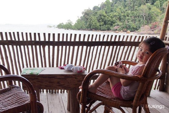 blog-2012-telunas-OMD03806-hannah-wakes-up