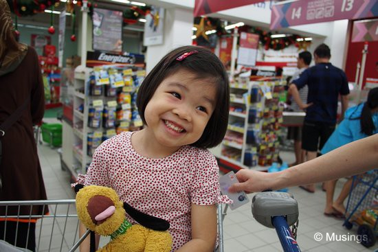 A quick picture at Hougang One's Fairprice. The price of putting Hannah into the trolley seat was a backache for the afternoon.
