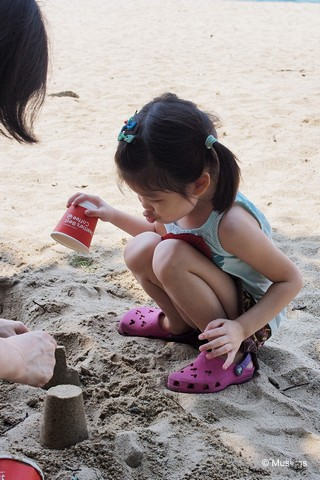 Build sandcastles at East Coast park after Pollywogs!