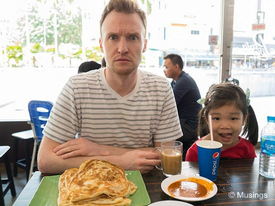 Pratas at Prata Raya @ Ang Mo Kio. Curry's pretty good but pratas-wise, we prefer the fare at Prata Wala.