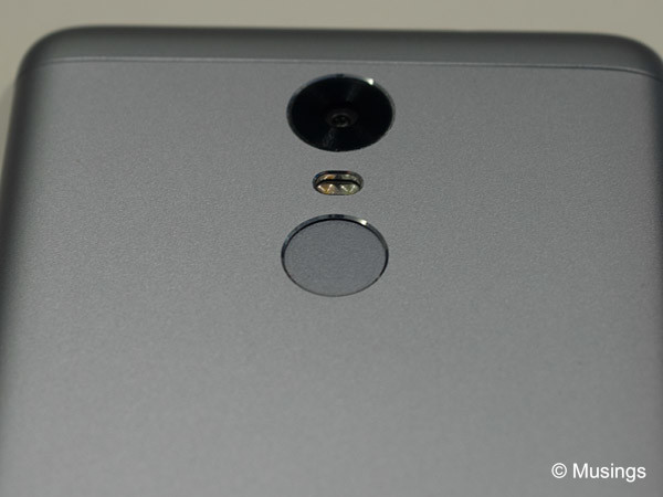 Whatever mojo Xiaomi did do their Note 3's thumbprint scanner, it's working great!